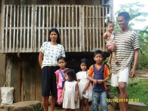 Filipino farming family